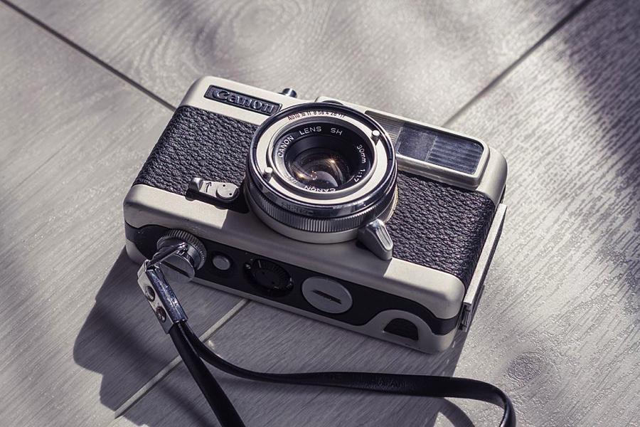 Canon demi  ハーフカメラアイキャッチ