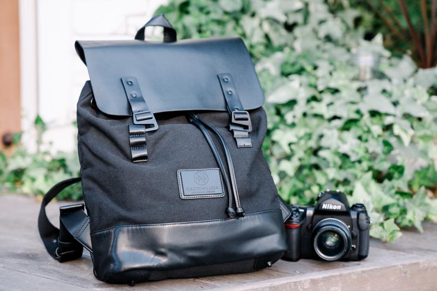 GASTON LUGAのカメラバッグ
