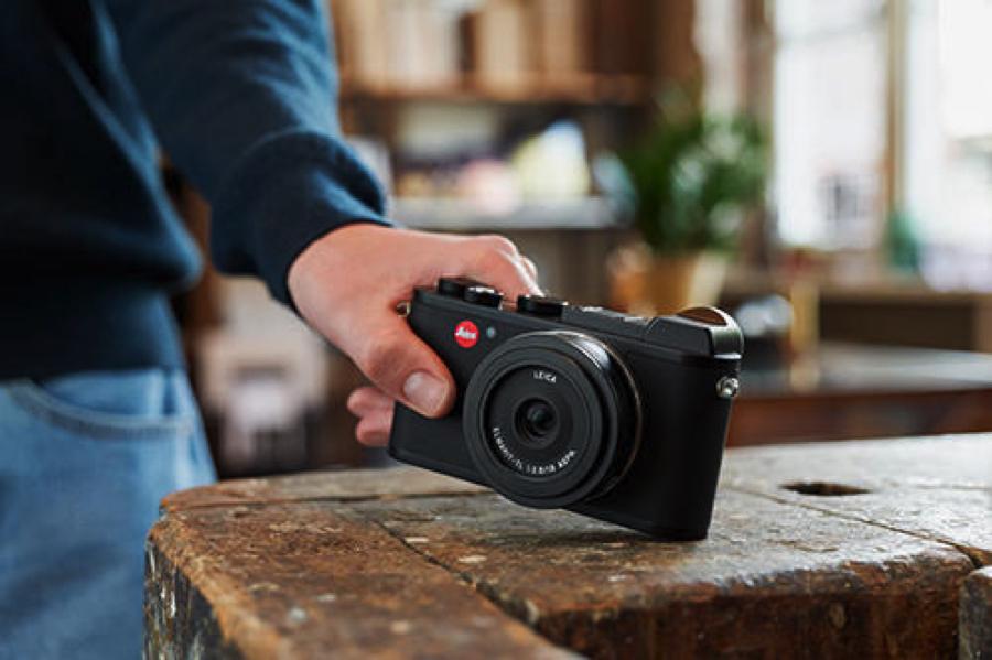 パナソニック・シグマのレンズが使える!コンパクトカメラ「LEICA CL」