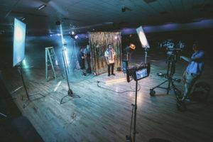 写真・動画撮影のライティングに!定常光の選び方とおすすめ紹介