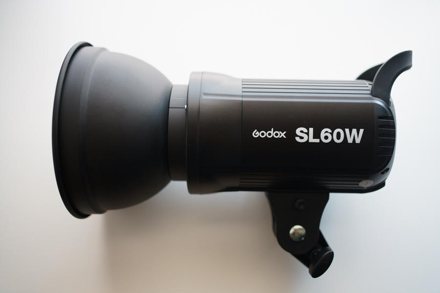 「Godox SL60W」外観